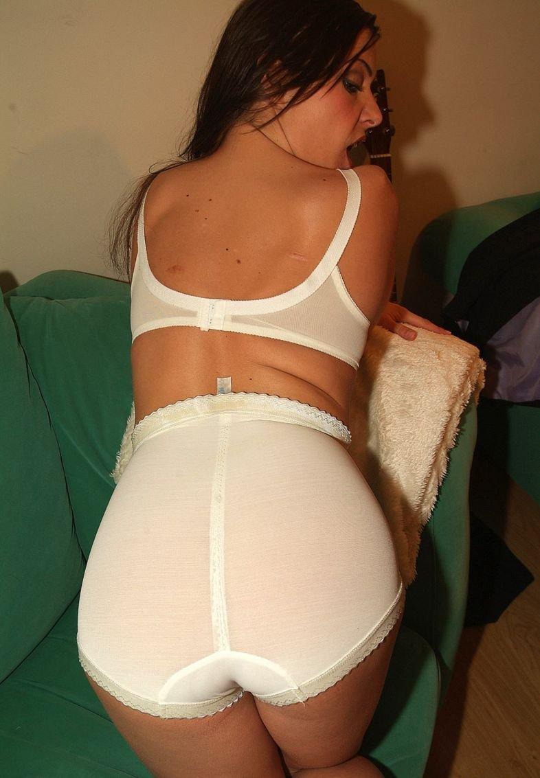 Порно фото в панталонах